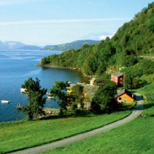 Fjords Magníficos e Helsinki